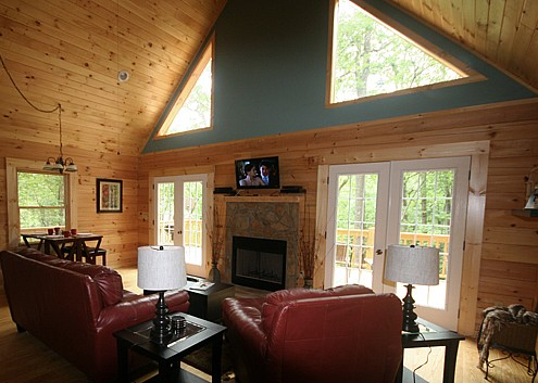 Woodlands cabin #2 living area. Rock Creek Cabins