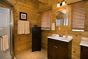 O'Mygosh cabin master bath @ Rock Creek Cabins